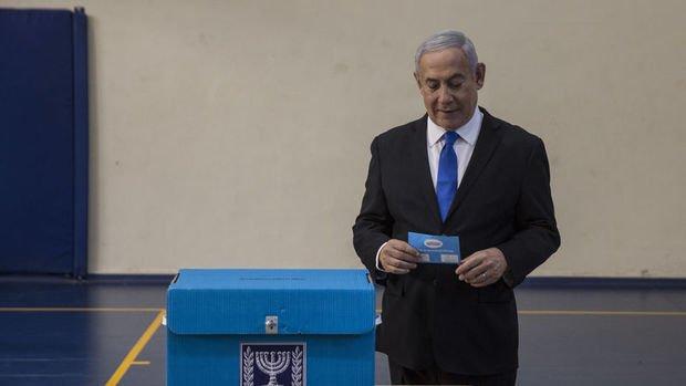Netanyahu liderliğindeki sağ blok çoğunluğu elde edemedi