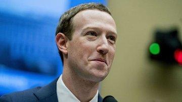 Trump Facebook'un Üst Yöneticisi Zuckerberg ile görüştü