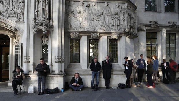İngiltere Anayasa Mahkemesi Johnson'ın 'tatil' kararını hukuka aykırı buldu