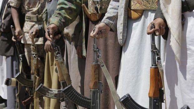 Yemenli isyancılar birçok Suudi askeri esir aldıklarını açıkladı