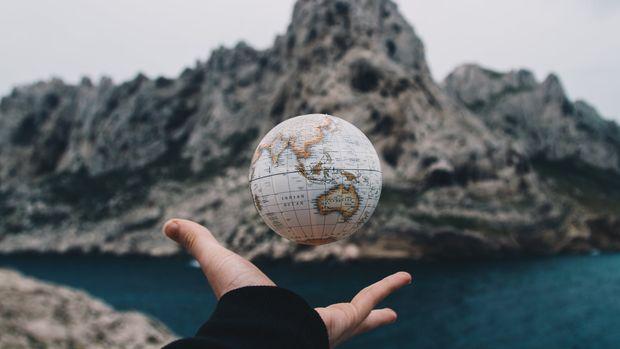 Merkez Bankaları yavaşlayan küresel ekonomi ile 'dönüş faizlerinin' kıyısında
