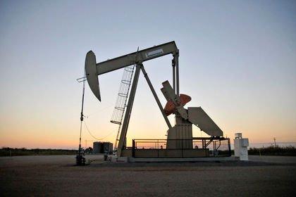 ABD'de petrol üretiminde rekor kırıldı, stoklar...