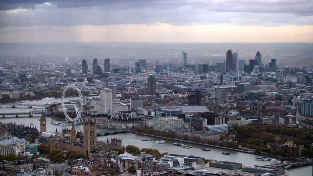 İngiltere Ağustos'ta sürpriz bir şekilde küçüldü
