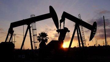 """Petrol """"ticaret"""" endişesi ile düşüşünü sürdürdü"""