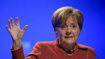Merkel: Almanya Türkiye'ye silah ihracatını durduracak