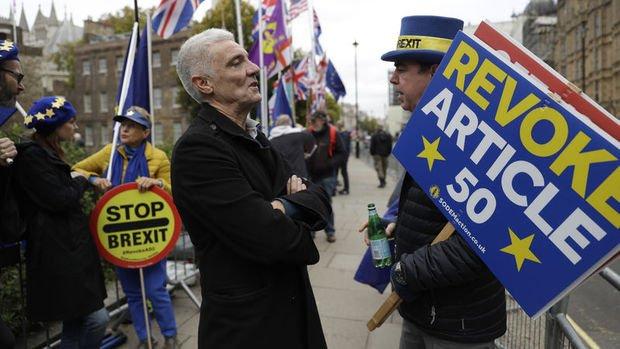 İngiltere Basını: Johnson'ın anlaşmayı parlamentodan geçirme konusunda işi zor
