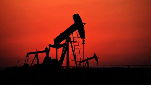 Petrol azalan