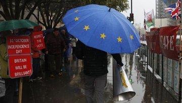 İngiltere'de hükümet ve muhalefet ile Avrupa Birliği ne d...