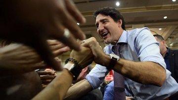 Kanada'da Başbakan Justin Trudeau koltuğunu korumayı başa...