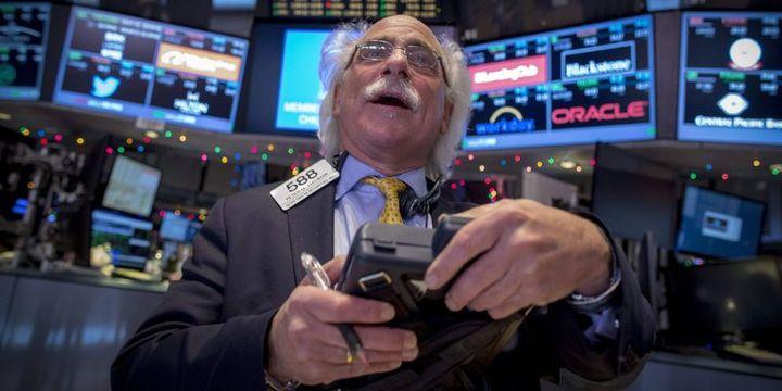 Küresel Piyasalar: Hisseler şirket karları ile dalgalı, tahviller yükseldi