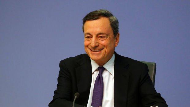 Euro'yu 'kurtaran' Draghi AMB'yi de ikiye böldü
