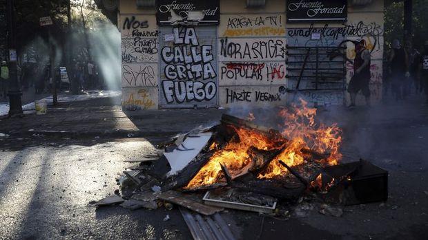 Şili'deki zam protestoları nedeniyle ölenlerin sayısı 19'a çıktı