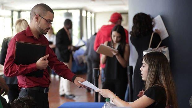 ABD'de özel sektör istihdamı Ekim'de beklentiyi aştı