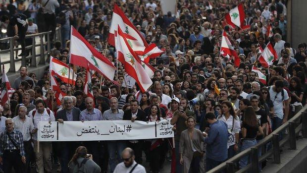 Lübnan'da bankalar bugün tekrar açılıyor