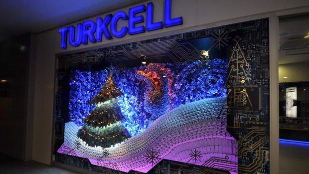 Turkcell net karını 3. çeyrekte yıllık yüzde 232 artırdı