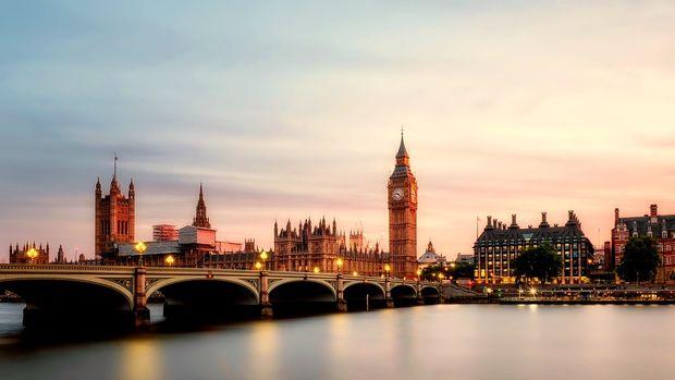 İngiltere'de inşaat sektörü Ekim'de daraldı