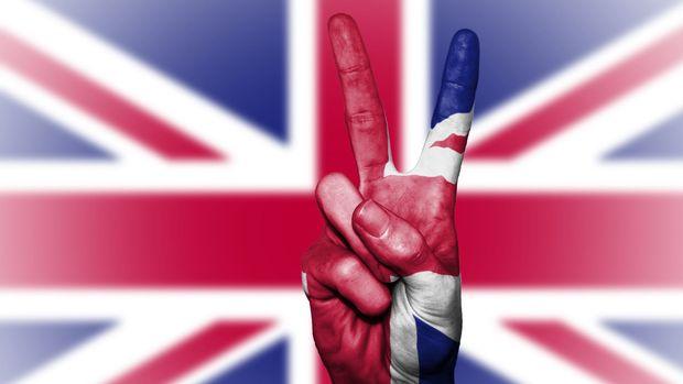 İngiltere'de hizmet PMI Ekim'de yükseldi