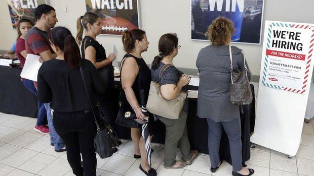 ABD'de işsizlik maaşı başvuruları bir ayın en düşük seviyesine indi