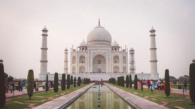 Moody's Hindistan'ın not görünümünü düşürdü