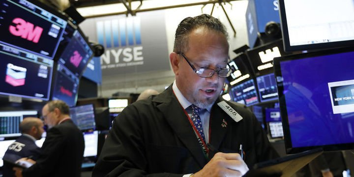 """Küresel Piyasalar: Hisseler """"ticaret"""" beklentileri ile yükseldi, dolar yatay"""