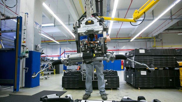 Euro Bölgesi'nde imalat PMI Kasım'da beklentinin üzerinde geldi