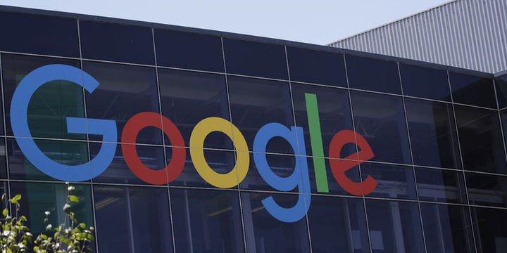 Google kurucuları Page ve Brin CEO