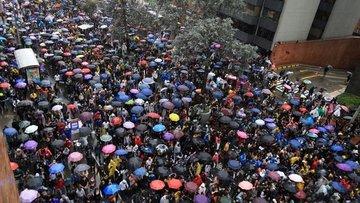 Hong Kong'da süren protestolar 2020'de daha fazla huzursu...