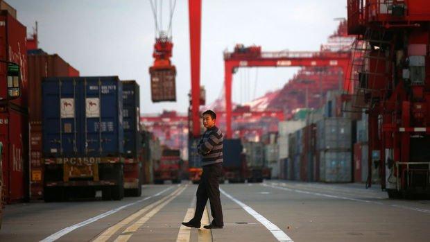 Çin'in ihracatındaki beklenmedik düşüş ticaret anlaşması isteğine de ışık tutuyor