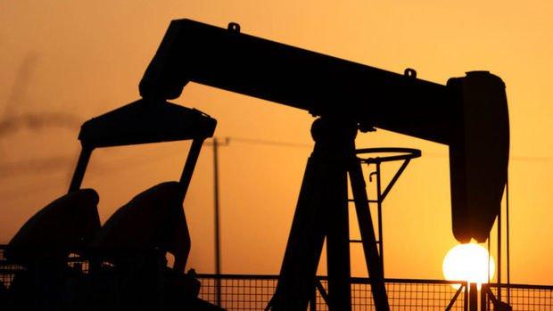 Petrol 12 haftanın zirvesinden gerilemesi sonrasında dengelendi