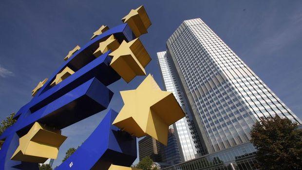 AMB uzun vadeli kredilerin yeni turunda bankalara 97.7 milyar euro verdi