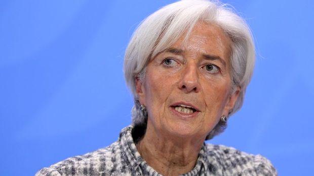 AMB/Lagarde: Ekonomik istikrara yönelik bazı sinyaller var