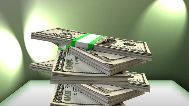 Güne düşüşle başlayan dolar 5.80'in üzerine yükseldi