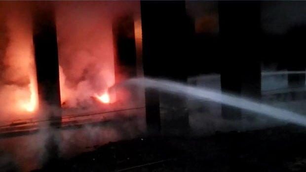 Hatay'da demir çelik fabrikasındaki yangın söndürüldü