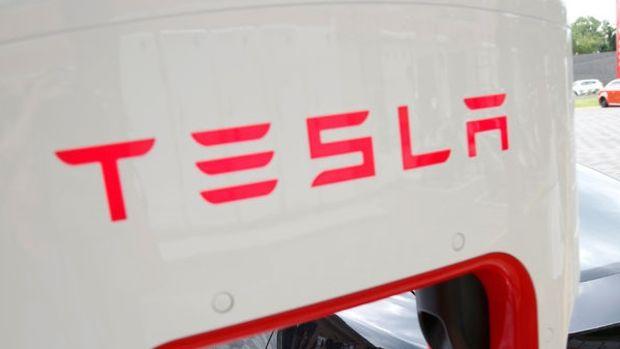 """""""Tesla Çin'de ürettiği araçlarında indirime gidecek"""""""