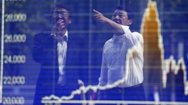 Asya borsaları ABD'nin rekorlarının ardından düşük hacimli işlemlerde karışık seyretti