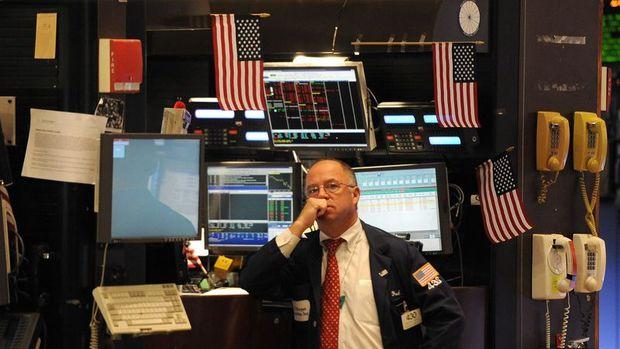 Küresel Piyasalar: Hisseler rekor seviyelerden hafifçe geriledi