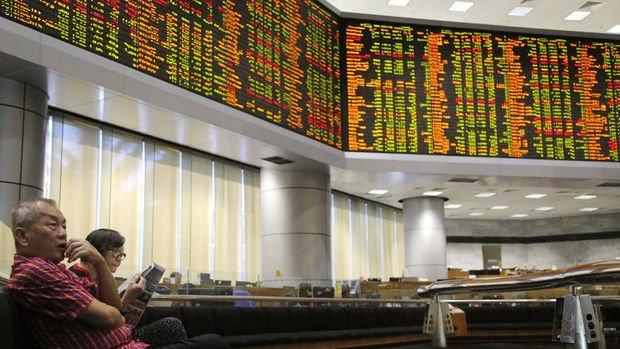 Gelişen piyasa hisseleri Noel öncesi 18 ayın zirvesinden geriledi