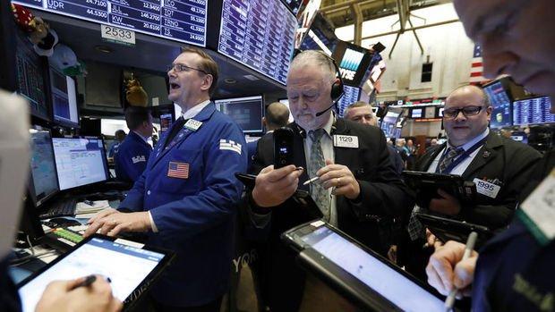 Küresel Piyasalar: Hisseler karışık seyretti, dolar kayıplarını 3. güne taşıdı