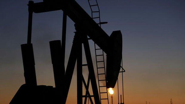Petrol Orta Doğu'da artan gerilim ile yıla yükselişle başladı