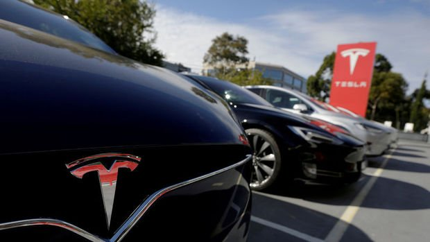 Tesla Çin'de üretilen Model 3 araçlarda fiyat düşürdü