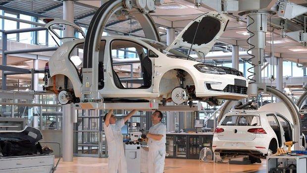 Almanya'da elektrikli otomobile geçişle 410 bin kişi işsiz kalabilir
