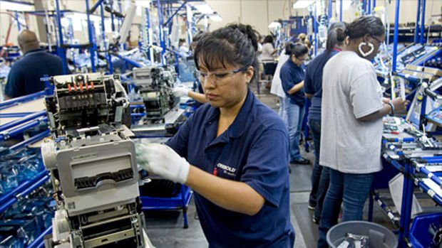 ABD'de sanayi üretimi beklenenden fazla düştü