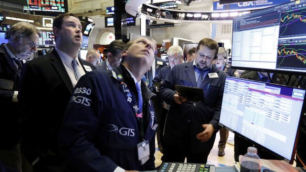 Küresel Piyasalar: Hisseler virüs endişelerinin tetiklediği satışın ardından yükseldi