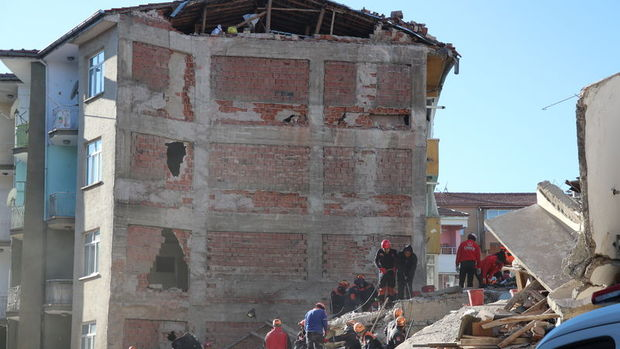 Bakanlıktan depremzedelere vergi ertelemesi
