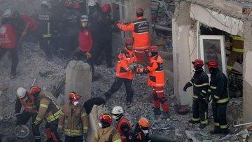 Elazığ depreminde hayatını kaybedenlerin sayısı 39'a yüks...
