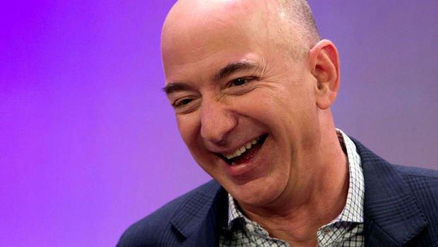 Jeff Bezos servetine 15 dakikada 13 milyar dolar kattı
