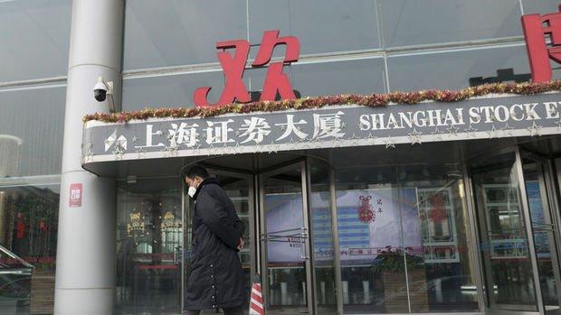 Çin'de son yılların en sert satışı: 3,258 hisse