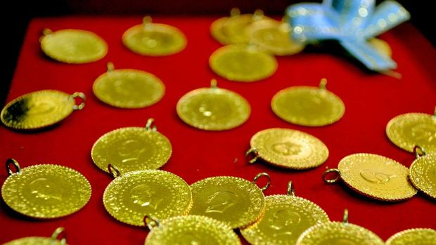 Gram altın 303 lira seviyelerinde