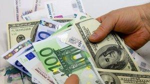 Euro dolar karşısında 3 yılın en düşük seviyesine indi