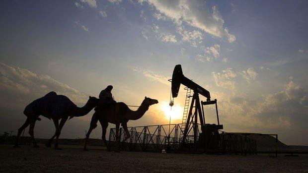 """Petrol """"arz riskleri"""" ile yükselişini sürdürdü"""